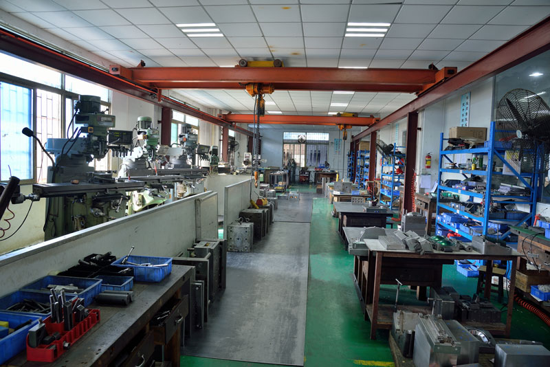 Tooling and molds Assembly workshop